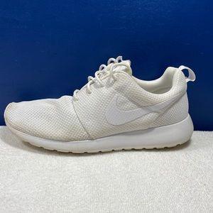 Nike Men's Roshe One White Sz 9.5